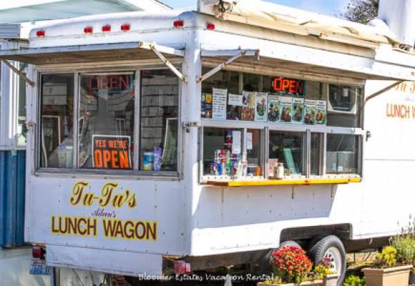 Tu Tu's Lunch Wagon serving the best Teriyaki chicken