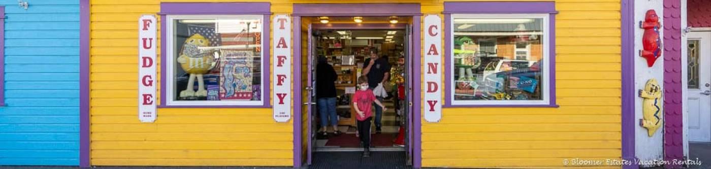 Candy Man Shop downtown Long Beach WA